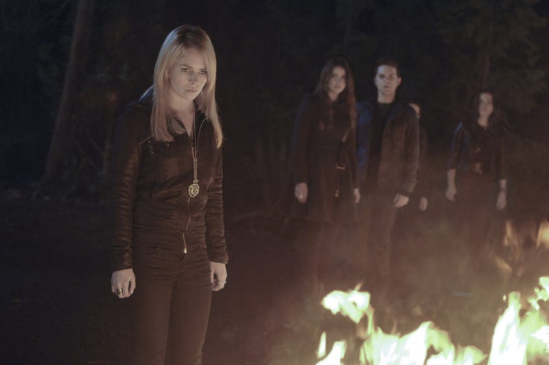 "Secret Circle Episode 13 ""The Medalion"" promo pics"