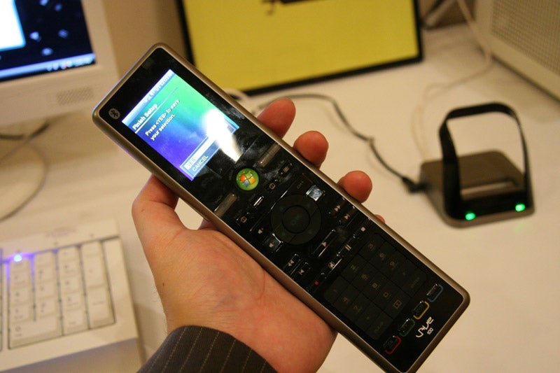 Hands-On With Ricavision's VAVE Universal Vista Sideshow Remote