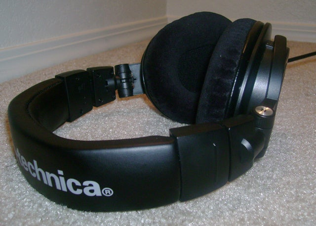 Make Your Tight, Brain-Squeezing Headphones More Comfortable with These DIY Tricks