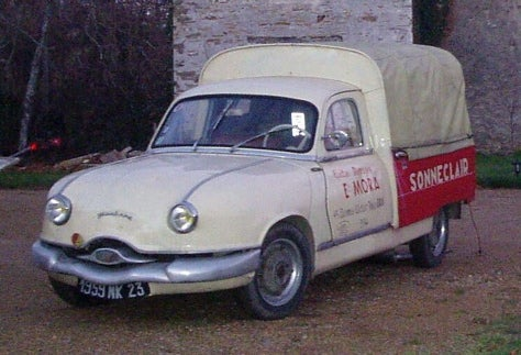 Dy-na-MITE! Er, Dyna Z! Part of the Panhard Dynasty!