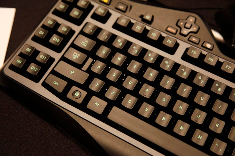 Logitech G19 Hands On: I Watched YouTube on a Gaming Keyboard