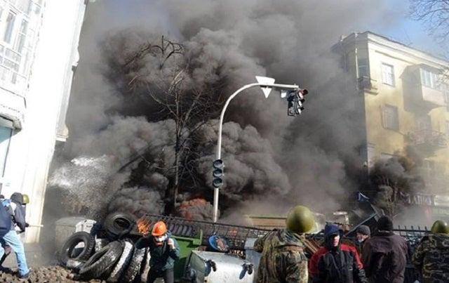 Kijevben lőnek. Mindenki mindenkire