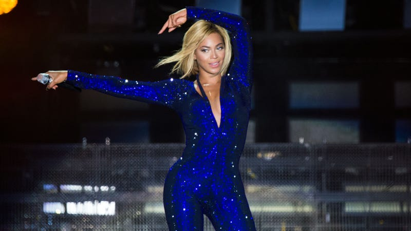 Beyoncé's New Hair Makes Her Look Like Your Mom in a Beyoncé Costume