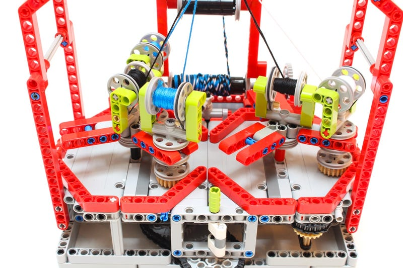Stop Buying Rope, and Just Use Lego to Make Your Own | Gizmodo UK