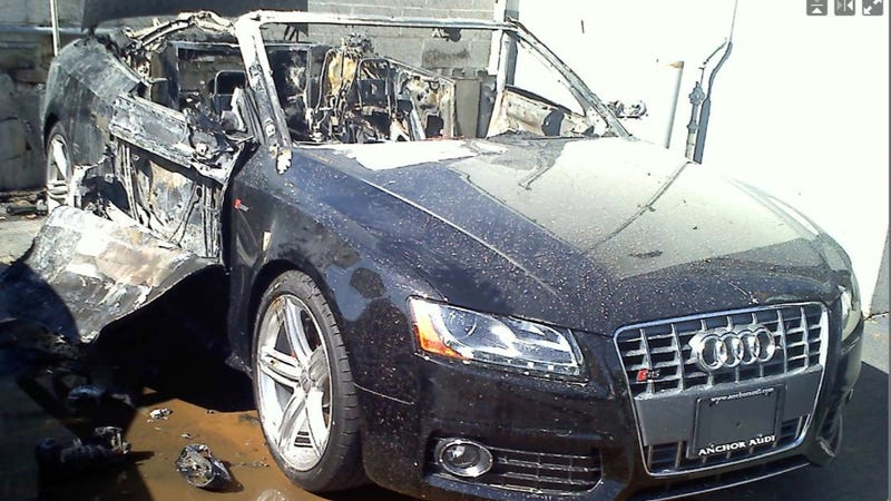 Audi S5 Fire: Pictures