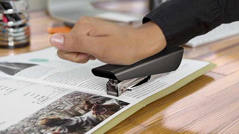 Detachable Magnetic Stapler Works Absolutely Anywhere