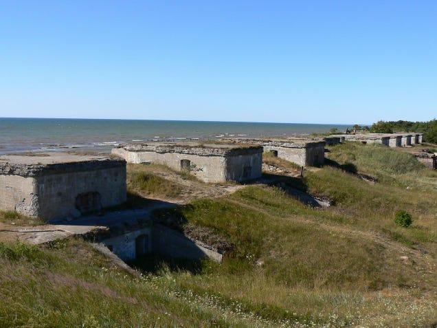 El distópico mundo de las bases de submarinos abandonadas 805315691500278189