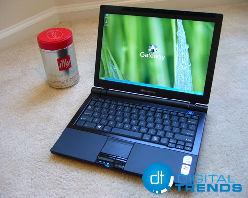 Gateway NX100X Ultraportable Reviewed (Verdict: Thin, Small and Relatively Inexpensive)