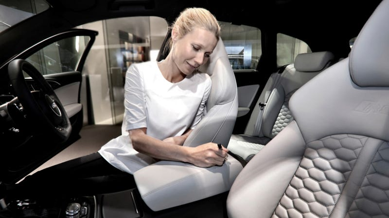 Gwyneth Paltrow Signs An Audi RS6 For Some Unknown Reason