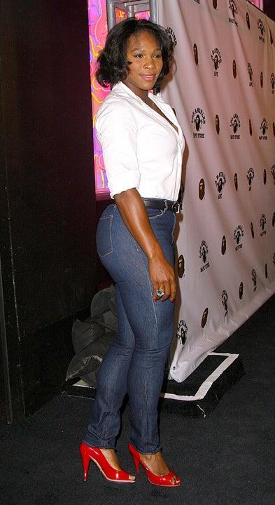 Serena Williams Rocks Tight-Ass Jeans