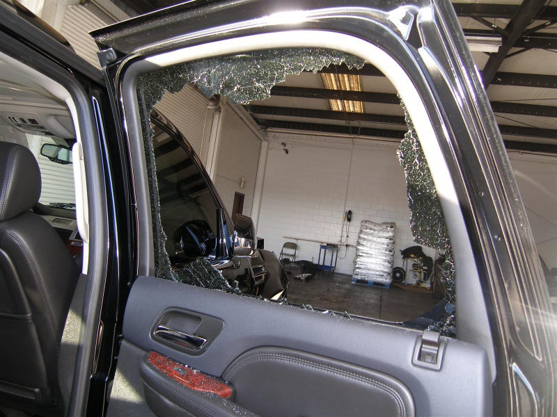 Tiger Woods' Crashed Escalade Gallery