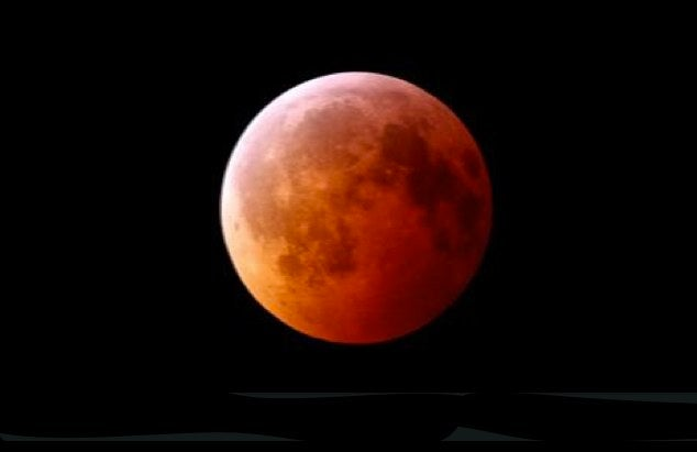 Time-lapse video of last night's Lunar Eclipse