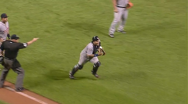 Nick Swisher Tagged Out On Ball That Rolls Fair While He's Not Looking