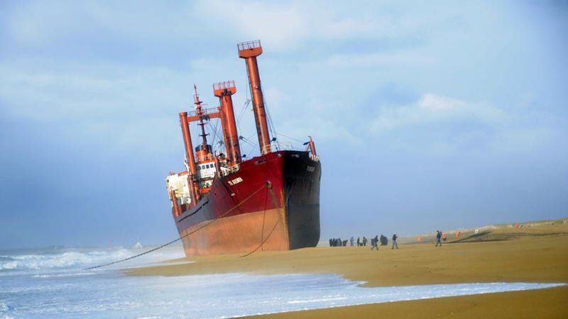 This Stranded Ship Is So Perfectly Straight It Seems to Be Sailing On Sand