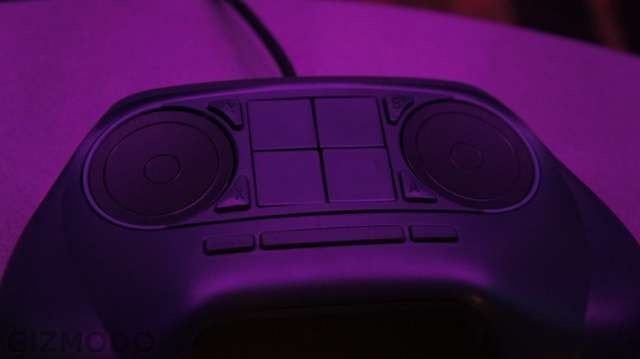Hands On With the Steam Controller: Gloriously Bizarre