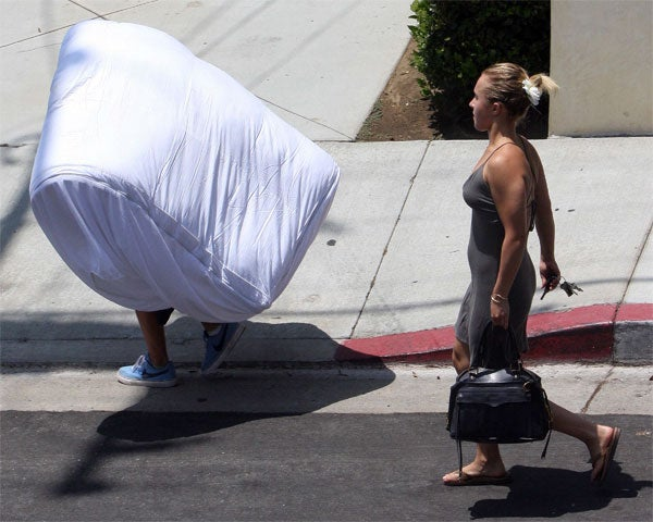 Hayden Panettiere Goes To The Mat(tress)