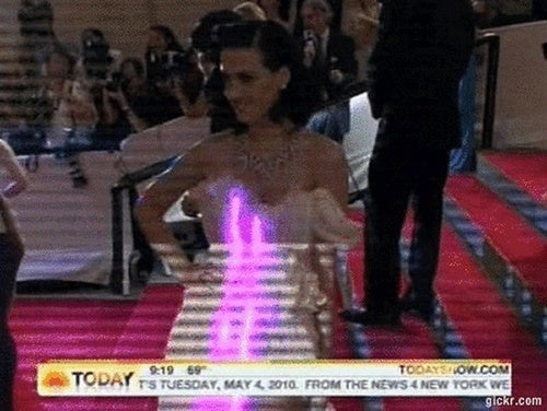 Watch Katy Perry's Light-Up Dress In Action