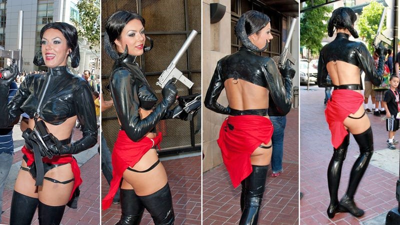 Model Kicked Out of Comic Con for Being Too Sexy