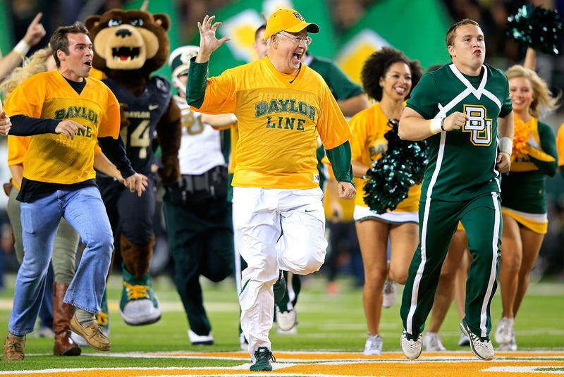 Ken Starr Faceplants When Confronted With Email Showing He Was Told About Rape At Baylor