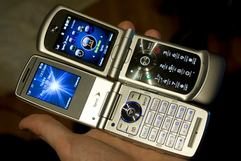 Sprint's New Flip Phones: Sanyo Katana Eclipse and Motorola RAZR VE20