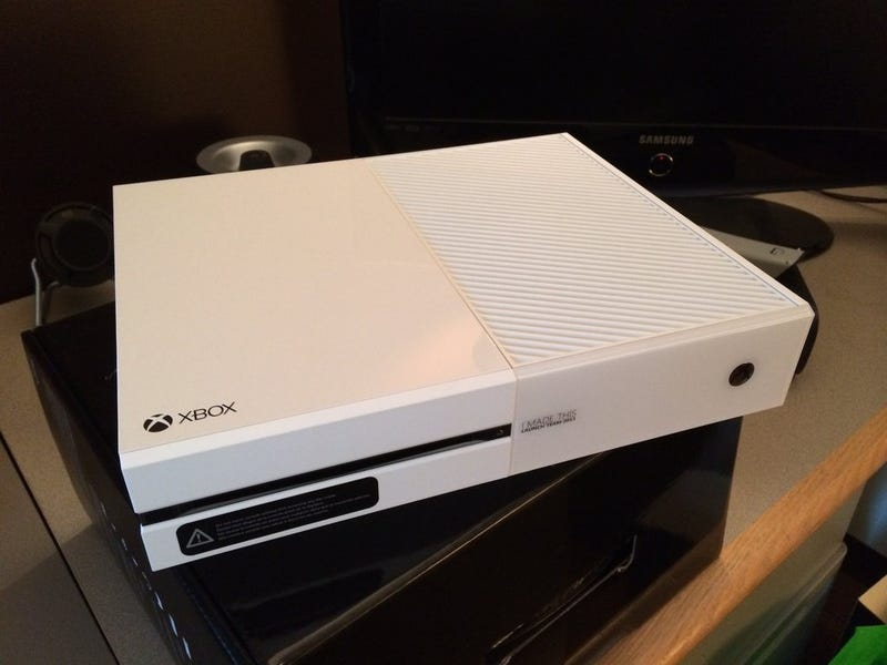 Unboxing A White Xbox One Makes Me Very Jealous