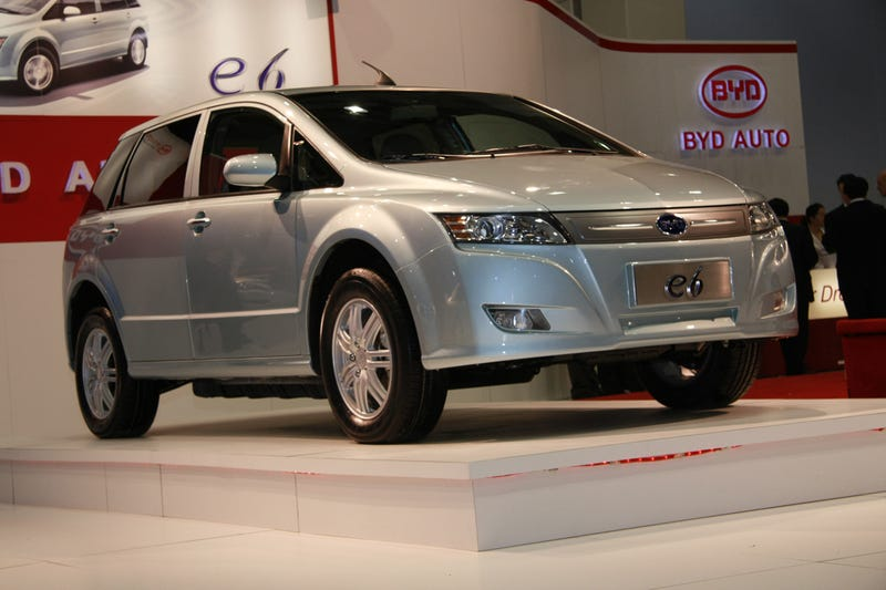 BYD E6: 250 Miles Per Charge Electric Car