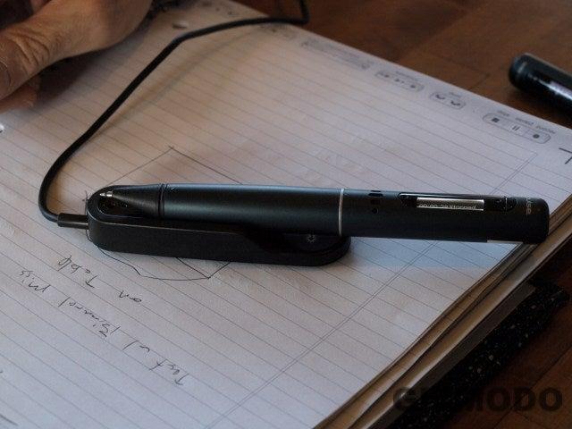 Livescribe Pulse Smartpen Digitally Copies Notes, Records 3D Audio