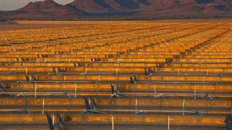 This Huge Solar Thermal Plant Makes Electricity Even in the Dark