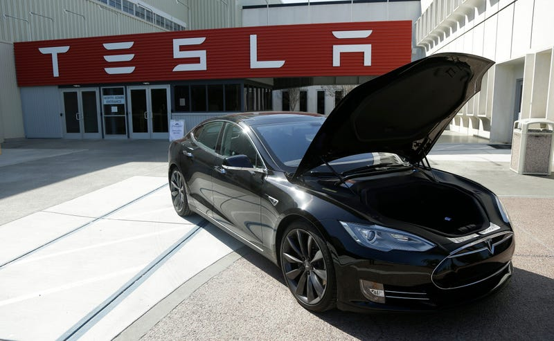 Tesla Short On Supercharger Goal, Also Confusing Journalists