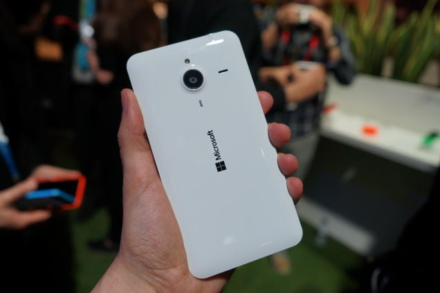 Lumia 640 And 640 XL Hands-On: Microsoft Does Cheap Real Well