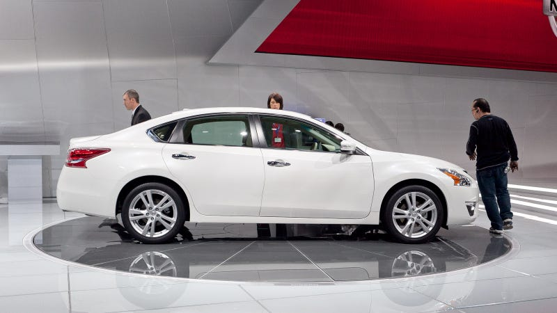 2013 Nissan Altima: Live Photos