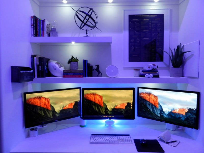 The All-White Vertical Workspace