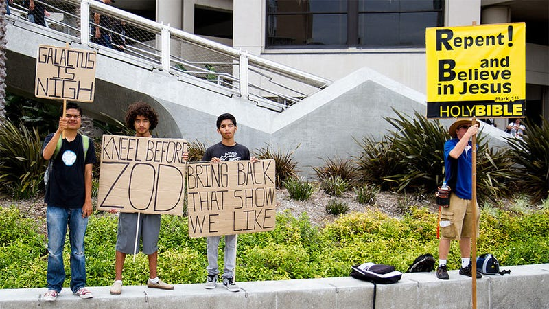 How To Prank A Religious Protestor At Comic-Con