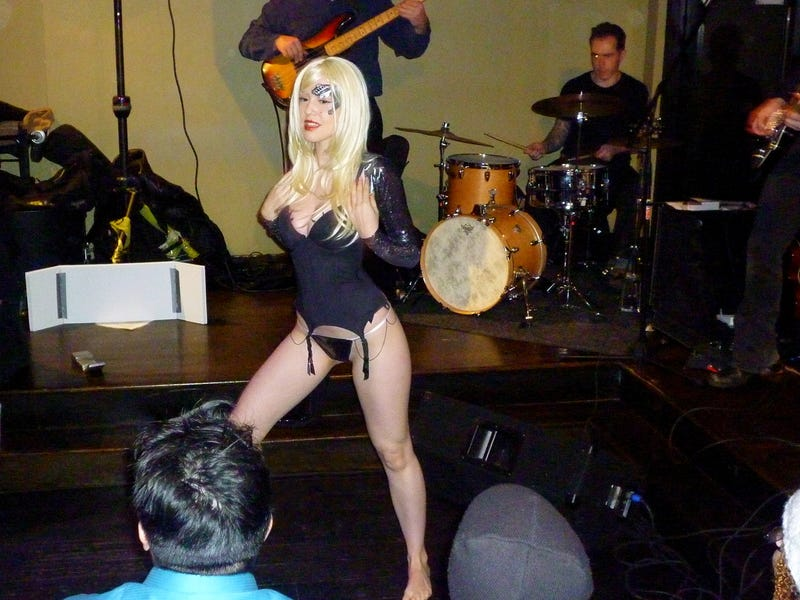 SciFi Burlesque Show Proves Clothing Is Irrelevant [NSFW]