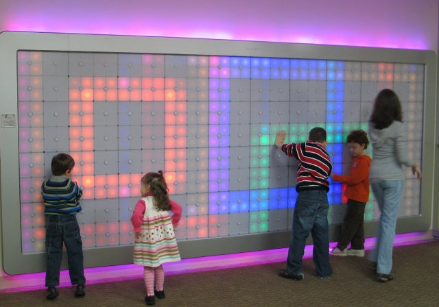 Philips Imagination Light Canvas Allows You To Paint With LEDs