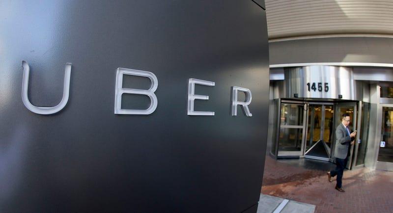 Problemas para Uber: los taxistas de Nueva York demandan a la ciudad por competencia desleal