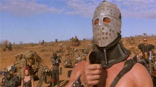 ภาพยนตร์ใหม่เอี่ยมเรื่อง Mad Max: Fury Road ท้องถนนโลกกันต์ ภาพยนตร์ดังมาแรง