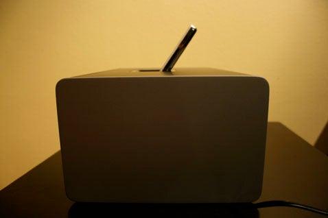 iPod Dock Bracket FINALE, Altec Lansing IMV712 vs. Griffin Amplifi