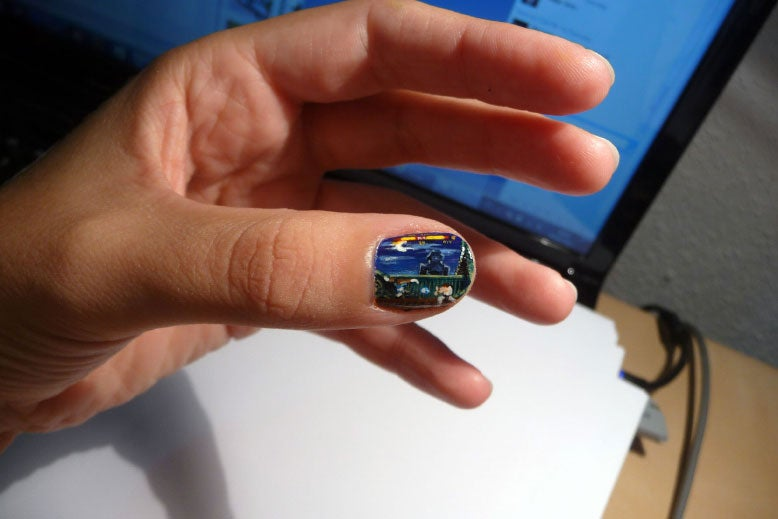 A Street Fighter II Painting So Small, It Could Fit on a Fingernail