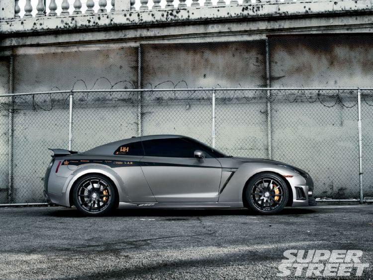 Andrew Bynum Nissan GT-R: Magazine Photos