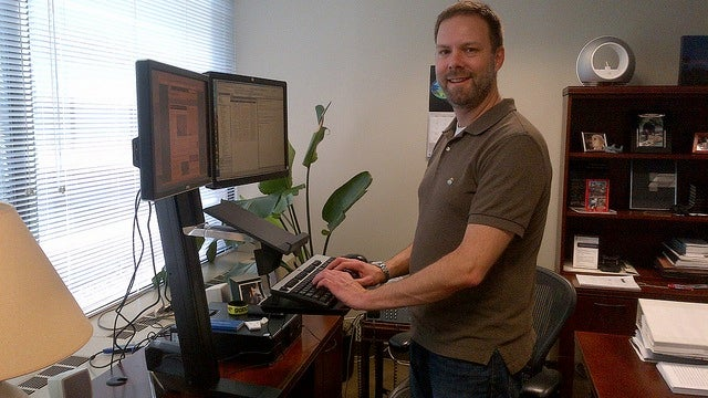 How to Ease Into a Standing Desk Routine