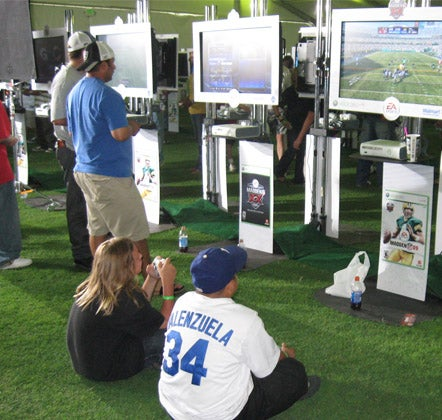Maddenpalooza: Stunted Paloozaness, Lots Of Badges, And Warren Sapp Is Insane