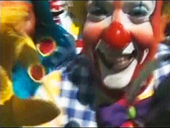 If You Are Afraid of Clowns, Do Not Watch This Video of 700 Mexican Clowns Laughing