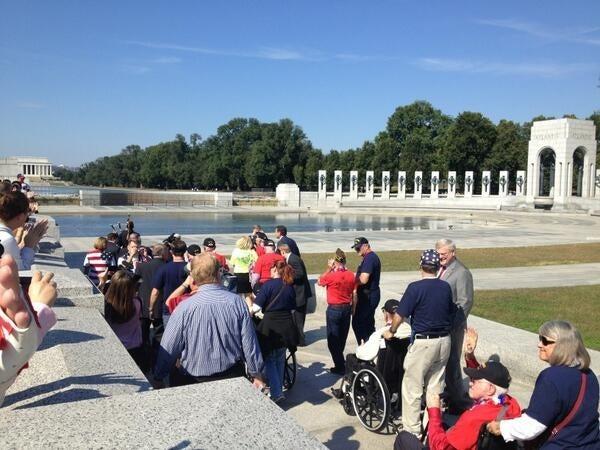 Vets Knock Down Shutdown Barricade, 'Storm' World War II Memorial