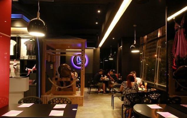 Inside Taiwan's NSFW Sex-Themed Restaurant