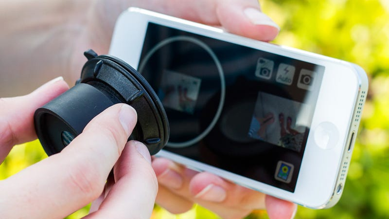 Suction Cup Viewfinder Makes Your iPhone Slightly More DSLR-Like