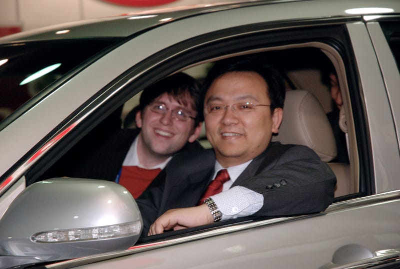Chinese Automaker CEO Drinks Battery Fluid
