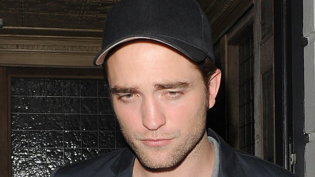 Robert Pattinson Wants to Have an Awkward Chat With Rupert Sanders