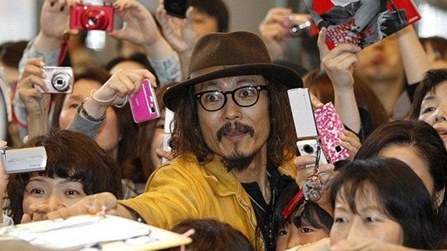 Japanese Johnny Depp Lookalike Greets Johnny Depp in Tokyo