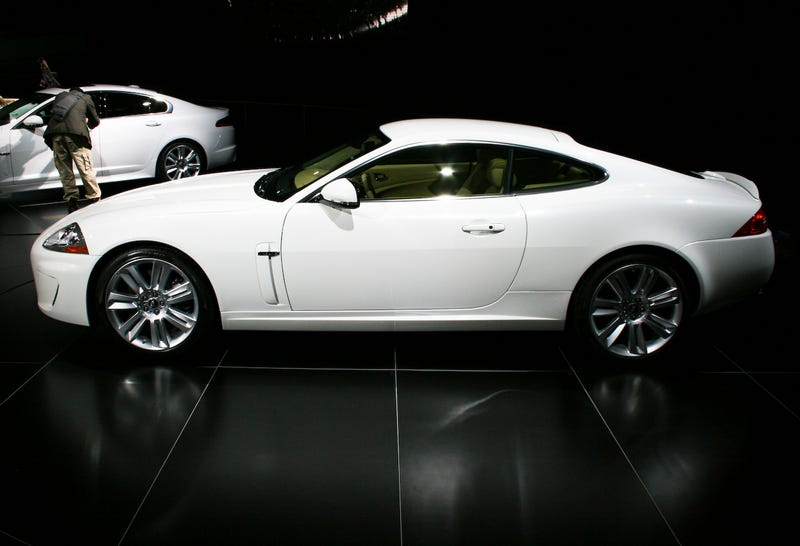 2010 Jaguar XKR Revealed With 510 HP